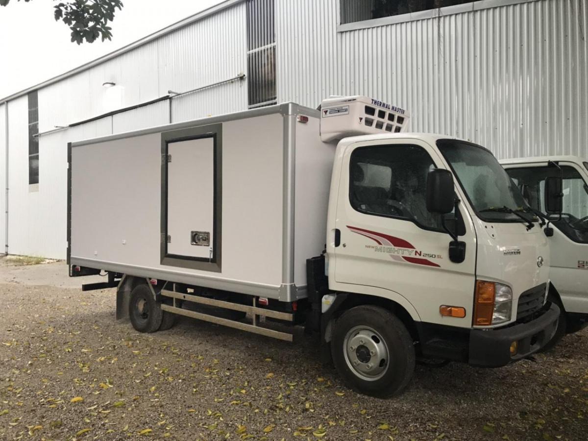 Hyundai N250SL tải 2.5 tấn thùng dài 4.35 mét