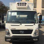 HyundaiEX8L thùng đông lạnh tải 7 tấn