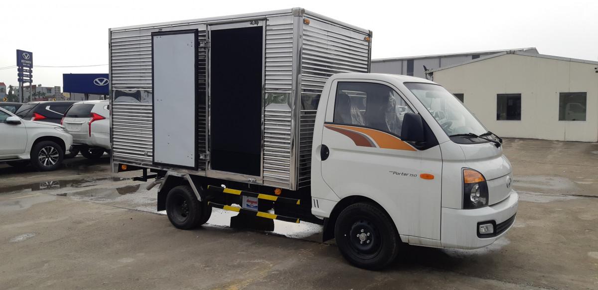 Xe Tải Hyundai Porter H150 Thùng Kín – Mới Nhất 2021